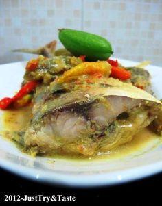 Ikan Kembung Masak Belimbing Wuluh ala Lisa | Just Try & Taste