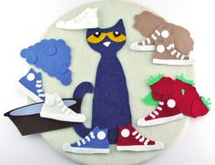 I had a special request from a teacher to make a Pete the Cat--I Love my White Shoes set. I copied my Pete from my Four Groovy Buttons set . Flannel Board Stories, Flannel Boards, Felt Board Stories, Felt Stories, Pete The Cat Shoes, Pete The Cats, Pete The Cat Buttons, Retelling Activities, Classroom Activities