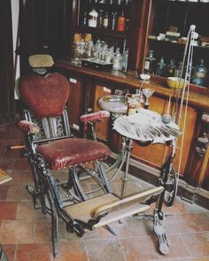 73ede7a0690a74f607ebb453c7868359 dentistry hygiene the dentists chair dental, dentistry and history