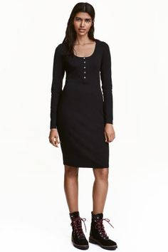 Jersey dress: CONSCIOUS. Fitted dress in organic cotton jersey with a round neckline, button placket and long sleeves.