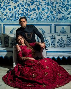 Having trouble deciding the outift for your pre-wedding shoot? Check out the list of these amazing outfit ideas for your Professional Pre wedding Shoot! Traditional Looks, Traditional Outfits, Outdoor Photography, Couple Photography, Shiffon Saree, Pre Wedding Photoshoot, Wedding Story, Girls Life, Knee Length Dresses