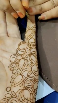 Dulhan Mehndi Designs, Arabian Mehndi Design, Mehndi Designs Finger, Henna Tattoo Designs Simple, Khafif Mehndi Design, Floral Henna Designs, Latest Bridal Mehndi Designs, Finger Henna Designs, Full Hand Mehndi Designs