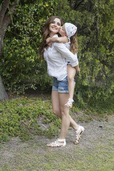 ¿Buscas modelos iguales para #mamá e #hija?  Los tenemos en nuestra tienda en línea  #Calzado #Tropicana http://www.tropicanaenlinea.com/
