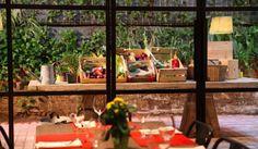 Arroz fusión en la cocina peruana. La cocina peruana está de moda últimamente, a pesar de que no todo el mundo le atribuye la buena fama que merece. La semana pasada en Rice Worldwide tuvimos la suerte de entrevistar a Alonso Ferraro, gerente del restaurante Tanta en Barcelona. http://riceworldwide.com/arroz-fusion-en-la-cocina-peruana/