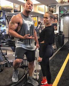 Jenifer Lopez and Dwayne Johnson(The Rock) at the gym!