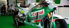 Castrol está siempre al lado del deporte, y es patrocinador del mundial y eurocopa de fútbol y de equipos tanto de motos como de coches.