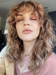 Shaggy Curly Hair, Curly Shag Haircut, Curly Hair Fringe, Shoulder Length Curly Hair, Haircuts For Wavy Hair, Blonde Curly Hair, Curly Hair With Bangs, Curly Hair Cuts, Cut My Hair