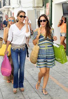 Isabel Preysler se desplaza a Ibiza para disfrutar de unos días de descanso junto a sus hijas, Tamara Falcó y Ana Boyer