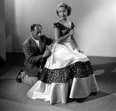 Jane Powell - Nancy Goes to Rio Fashion Tv, 1950s Fashion, Helen Rose, Jane Powell, Hollywood Costume, Old Movie Stars, Damsel In Distress, Oscar Winners, Female Actresses