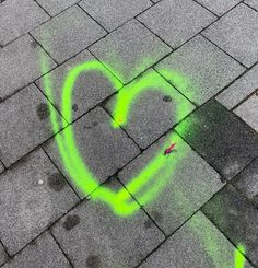 GO GREEN and have a wonderful weekend!  #aynil #gogreen #heart #love #streetart #aynil_org #allyouneed #nofilter #photography #art #allyouneedislove