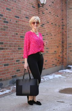 Perky, playful polka dots are trending this spring, and one of the best ways to wear them is with jeans. Today I'm partnering with Jodie's Touch of Style to bring you two rockin' polka dot looks. Fashion Bloggers Over 40, Fashion Over 40, Women's Fashion, Polka Dot Blouse, Pink Polka Dots, Spring Fashion Trends, Spring Outfits, Work Outfits, Fashion Advice