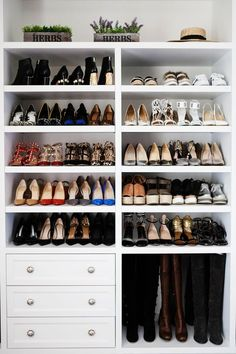 Trendy bedroom storage ideas for small spaces closet entryway ideas Closet Shoe Storage, Small Closet Organization, Closet Shelves, Bedroom Storage, Diy Storage, Storage Ideas, Diy Organization, Shoe Racks, Organizing Tips