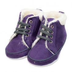 Va prezentam botoseii tip bascheti fete (bebe) pentru toamna / iarna, calitate superioara, design fashion, colectia 2019, culoare mov, marca Papulin, ideali pentru diferite evenimente festive (botez, nunta, onomastica, etc). Acesti botosei fac parte din categoria incaltaminte copii, fiind confectionati conform celor mai inalte standarde calitative, fabricati in Turcia. Childrens Shoes, Sperrys, Sneakers, Fashion, Tennis, Moda, Slippers, Fashion Styles, Sneaker