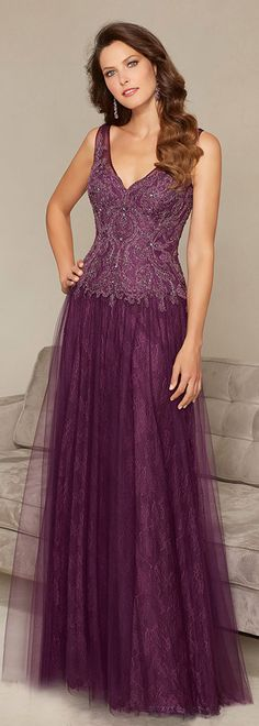 Elegant Tulle V-neck Floor-length A-line Mother of the Bride Dresses with Beaded Lace Appliques