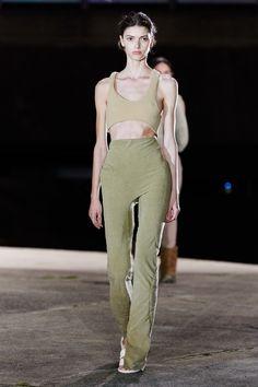 Vogue Fashion, Runway Fashion, High Fashion, Paris Fashion, Vogue Paris, Yeezy Fashion Show, Yeezy By Kanye West, Kanye Yeezy, Style Urban