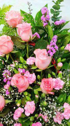 Gyönyörű vegyes virágok