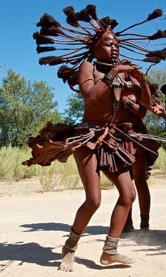 Plaits fanning out! Himba spinning dance, Namibia | Flickr - Photo Sharing! Photo by Tim Thornton