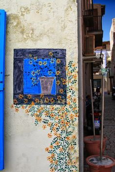 Lipari, a small island near Sicily - what graffiti should look like...