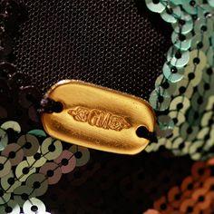 """-Vestido Zig-Zag largo- ¿Quién dijo que para la noche solo debes usar negro? Asiste a tus eventos más glamurosos con los hermosos vestidos de Giovanna Maroso. Una divertida opción es este vestido elaborado con lentejuelas bordadas en """"zig-zag"""". Cuenta con transparencias en espalda y torso. http://www.elretirobogota.com/esp/?dt_portfolio=giovanna-maroso"""