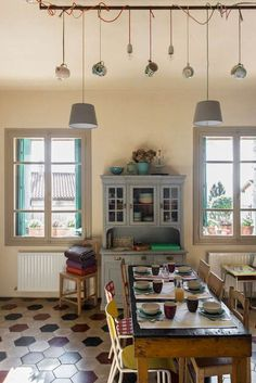 Italian photographer specialised in Travel, Food, Interiors, Hospitality and Lifestyle 1930s Kitchen, Kitchen Redo, Diy Interior, Interior Decorating, Interior Design, Milan Apartment, Hacienda Decor, Interior Inspiration, Sweet Home