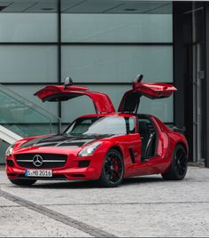 'Last Of The Gullwings' Mercedes-Benz SLS AMG GT Final Edition revealed. Click to find out more.