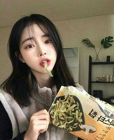 Cute Japanese Girl, Cute Korean Girl, Asian Girl, Sweet Girls, Cute Girls, Asian Short Hair, Ulzzang Korean Girl, Uzzlang Girl, Aesthetic People