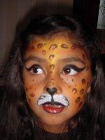 Cheetah, next halloween costume for Abby. Cheeta Face Paint, Cheetah Face, Halloween Kostüm, Holidays Halloween, Face Painting Designs, Body Painting, Cheetah Makeup, Diy Face Paint, Kids Makeup