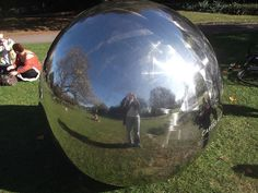 This polished sphere, Cartas al Cielo by Alicia Framis, appeared in Regent's Park in 2011. Photo by (and including) M@.