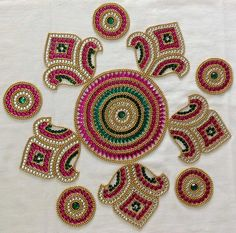 In this article we collect a top 27 Best Kundan Rangoli Designs for your Inspiration Easy Diwali Rangoli, Diya Rangoli, Diwali Craft, Diwali Diya, Rangoli Colours, Rangoli Patterns, Rangoli Ideas, Art N Craft, Craft Work