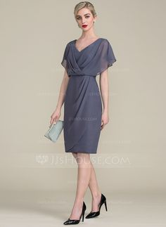 V-neck Knee-Length Chiffon Mother of the Bride Dress With Ruffle (.Sheath/Column V-neck Knee-Length Chiffon Mother of the Bride Dress With Ruffle (. Vestidos Chiffon, Vestidos Mob, Mob Dresses, Fall Dresses, Fashion Dresses, Party Dresses, Wedding Dresses, Beach Dresses, Evening Dresses