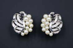 Vintage Crown Trifari Faux Pearl Rhinestone Leaf Brooch Earrings Demi