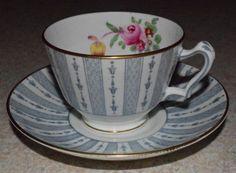 Vintage-Crown-Staffordshire-England-Fine-Bone-China-Teacup-Saucer-9213