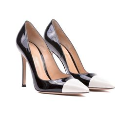 Gianvito Rossi Gianvito Mettalic Point Pumps (17,905 INR) ❤ liked on Polyvore featuring shoes, pumps, verofne white black, black white shoes, genuine leather shoes, pointed-toe pumps, pointy-toe pumps and leather footwear