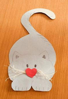 Kätzchen basteln – # kittens - My CMS Circus Decorations, Carnival Themes, Circus Birthday, Circus Theme, Animal Crafts For Kids, Diy For Kids, Cake Pop Displays, Feather Centerpieces, Preschool Learning Activities