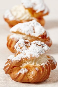 easy desserts recipes- cookie topped cream puffs profiteroles choux cream puffs for-my-sweet-tooth Just Desserts, Delicious Desserts, Dessert Recipes, Yummy Food, Snack Recipes, Eclairs, Pastry Recipes, Cooking Recipes, Cooking Food