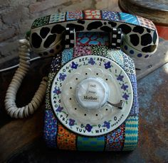 Old fashion telephone. I would like a black or white colored phone to add to our home for decor