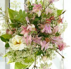 Luonnonkukat rules! Olen koko ikäni rakastanut luonnonkukkia ja tehnyt niistä kimppuja. #futuremarja #kukka #kukkakimppu #luonnonkukat #luonto #itetein #floristi (amatööri)