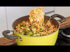 ALMOÇO RÁPIDO PRONTO EM MENOS DE 30 MINUTOS | Gabriel Freitas - YouTube Muy Simple, Pasta Dishes, Paella, Carne, Macaroni And Cheese, Food And Drink, Meat, Chicken, Cooking