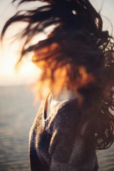 flip of hair, soft, out-of-focus lighting // portrait // girl // ladie // photography // Image Emotion, Foto Art, Sweet Nothings, Photos Du, Art Photography, Vintage Photography, Stunning Photography, People Photography, Editorial Photography