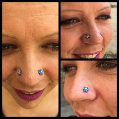 Dobbelt nostrils med fine opal blomster fra USA lige på søde Janne Franciska 😍   Ses i dag hos Artistic 10-14 og i morgen lørdag 11-15 🙏🏾❤️🌈🦄