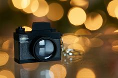 16 Photography Projects to Keep You Shooting Everday (this is a great blog!)