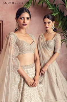 where to buy muslim wedding dresses Indian Bridal Outfits, Indian Bridal Fashion, Indian Designer Outfits, Muslim Wedding Dresses, Indian Gowns Dresses, Bridal Dresses, Dresses Uk, Wedding Dress Costume, Dress Wedding