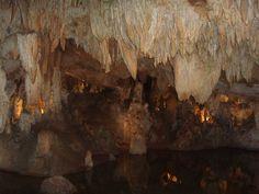 Gruta de Santo Antonio, Portugal. Visita imperdível para aqueles que apreciam a natureza.