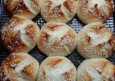 "Pancitos ""Súper esponjosos"" Receta de Norali - Cookpad Mexican Sweet Breads, Churros, Empanadas, Hamburger, Eat, Cooking, Pan Integral, Sweet Bread, Salads"
