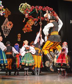 Folk costumes from Łowicz, central Poland [source]. Folklore, Folk Costume, Costumes, Polish Folk Art, 7 Continents, Folk Dance, Reference Images, Ethnic Fashion, Photos Du