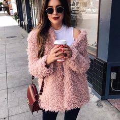 Moda Streetwear, Streetwear Fashion, Cardigans For Women, Coats For Women, Clothes For Women, Fur Coat Outfit, Pink Faux Fur Coat, Fuzzy Coat, Wool Overcoat