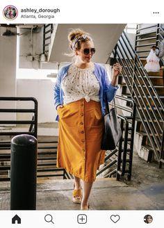 Skirt plus size Skirt Inspo Plus size, midi skirt - Skirt Ideas Big Size Fashion, Fat Fashion, Quirky Fashion, Plus Size Fashion For Women, Work Fashion, Fashion 2020, Fashion Outfits, Midi Skirt Casual, Midi Skirt Outfit
