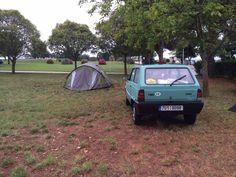 Kemp v Umagu. Každé místo zaplnila jedna rodina z Holandska s karavanem. My jsme měli dvě Pandy, dva stany a ještě zbylo místo :)