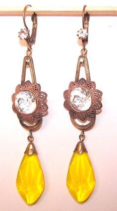 1930s Bohemian Czech Yellow Glass Earrings ♥✤ | Keep the Glamour | BeStayBeautiful Bohemian Jewelry, Modern Jewelry, Gold Jewelry, Antique Jewellery, Vintage Jewelry, London Wall, Bohemian Baby, Design Theory, Harry Winston