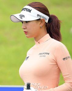 Girls Golf, Ladies Golf, Girl Golf Outfit, Fit Women, Sexy Women, Sexy Golf, Tennis Players Female, Beautiful Athletes, Tennis Fashion